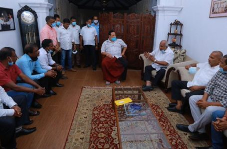 After a discussion with Sri Lankan Prime Minister Mahinda Rajapaksa, trade unions of Colombo port called off their agitation over East Container Terminal. (Photo: @PresRajapaksa)