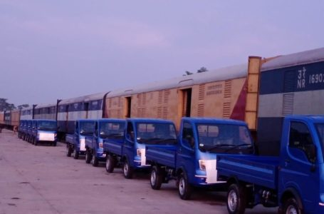 For the first time, the Indian Railways transported automobiles—a consignment of 51 vehicles—to Bangladesh last month. They arrived via Benapole after traversing 1407 kms.